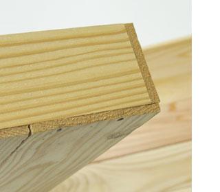 間伐材の木箱